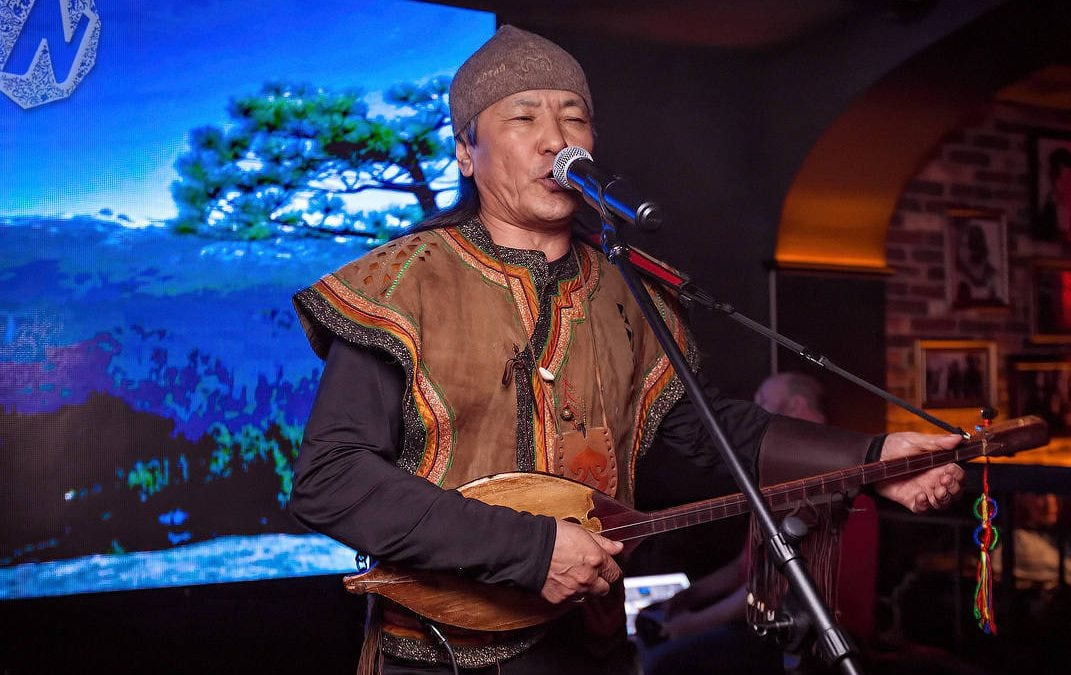 The concert of traditional Altai singers